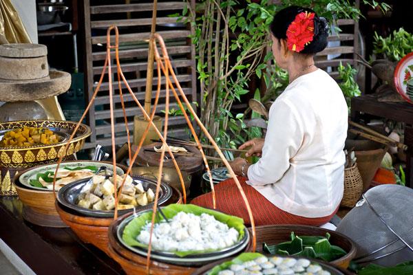 การสาธิตครัวไทย
