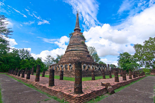 CHEDI WAT CHANG LOM (Elephant Temple)